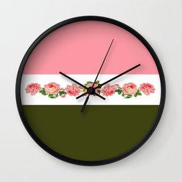Roses, beauté intemporel et unisexe. Wall Clock