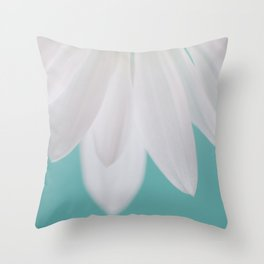 Daisy Daydreams Throw Pillow