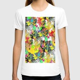 AltErEd tExtUrE T-shirt