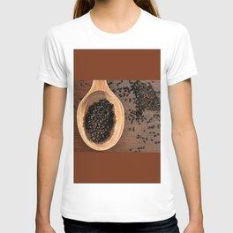 Black Nigella Sativa dry seeds portion T-shirt