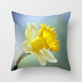 Daffodil 9909  Throw Pillow