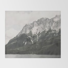 Such great Heights - Landscape Photography Throw Blanket