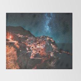 manarola by night Throw Blanket