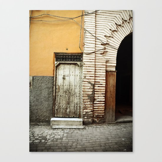 Entrez... Canvas Print