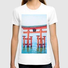 Itsukushima shrine watercolor painting T-shirt