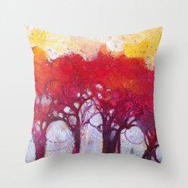 Alberi nel bosco Throw Pillow