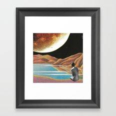 Saluti dall'altro cosmo Framed Art Print