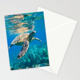 Large Sea Turtle, Marine Turtle, Chelonioidea, reptile animal swimming in clear and clean water Stationery Cards