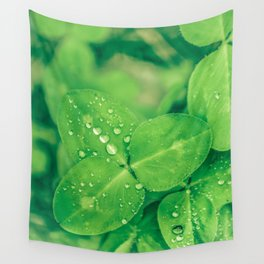 Clover leaf in the rain Wall Tapestry