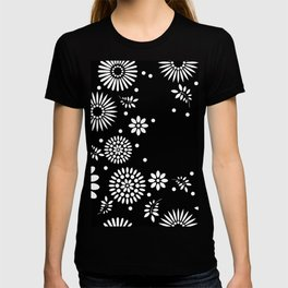 Black and white seamless floral pattern T-shirt
