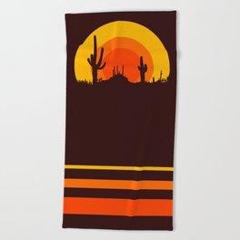 mucho calor Beach Towel