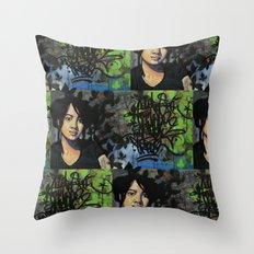 mariposas negras  Throw Pillow