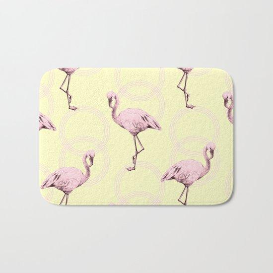 Simply Pink Flamingo Infinity Link Pale Yellow Bath Mat