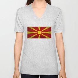 """Flag of Macedonia in """"Super Grunge"""" Unisex V-Neck"""