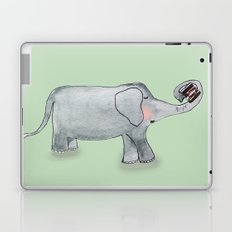 Elefant In Love Laptop & iPad Skin