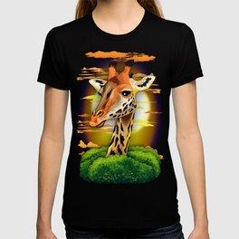 Giraffe on Wild African Savanna Sunset T-shirt
