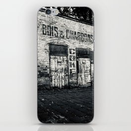 BOIS & CHARBONS iPhone Skin