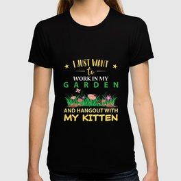 Hangout with my KITTEN in my Garden T-shirt
