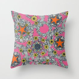 cirque fleur candy orange star Throw Pillow