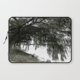 Weeping Willow on the Water Laptop Sleeve