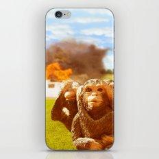 Monkeys Make Bad Pets. iPhone & iPod Skin
