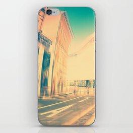 taxi iPhone Skin