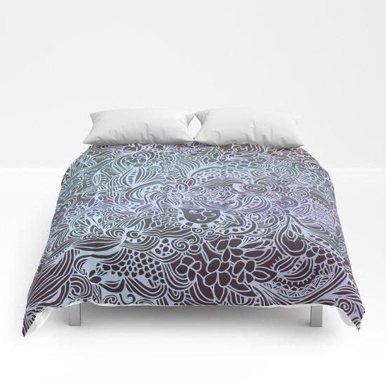 Detailed square, grey'n wedgwood Comforters
