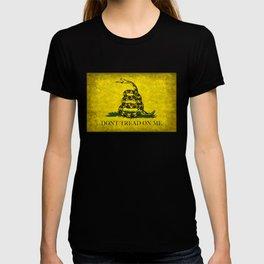 Gadsden Dont Tread On Me Flag - Distressed T-shirt