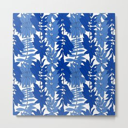 60's Chinoiserie Vines in White + Blue Metal Print