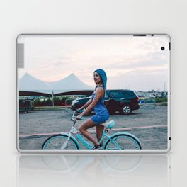 Halsey 35 Laptop & iPad Skin