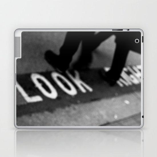 Bus line London Laptop & iPad Skin