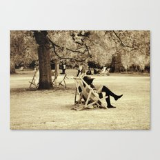 the lady in the park Canvas Print