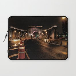 manhattan bridge at night Laptop Sleeve