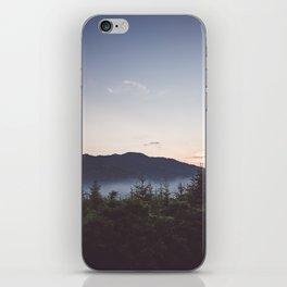 Night is coming iPhone Skin