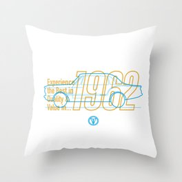 Valiant (Coupe) - Best in Value Throw Pillow