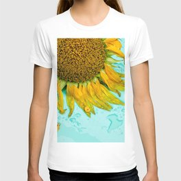 Flower Photography by Earl Richardson T-shirt