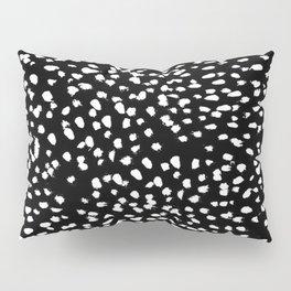 Yiolanda-b&w-Animal dots Pillow Sham