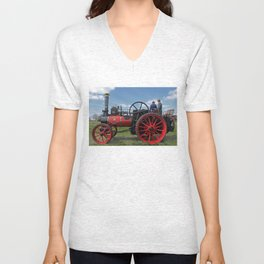 Chieftain traction engine Unisex V-Neck