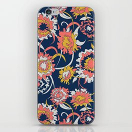 Bold Chinoiserie Floral - Limited Color Palette 2019 iPhone Skin