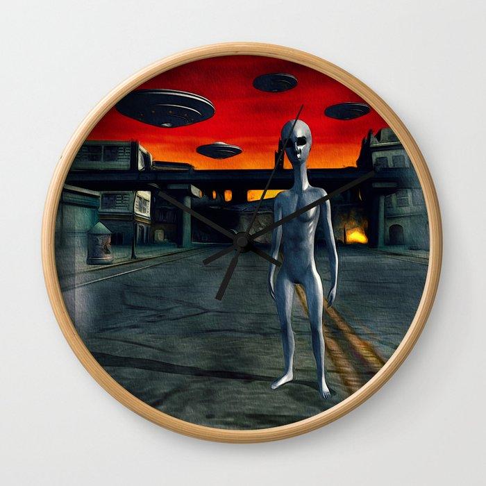 Battlefield Earth - UFO Invasion Wall Clock