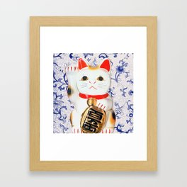 MANEKINEKO CAT PINK PATTERN Framed Art Print