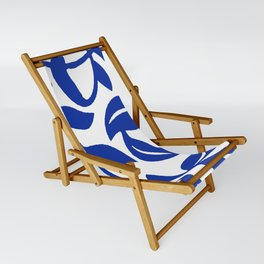 PALM LEAF VINE SWIRL BLUE AND WHITE PATTERN Sling Chair