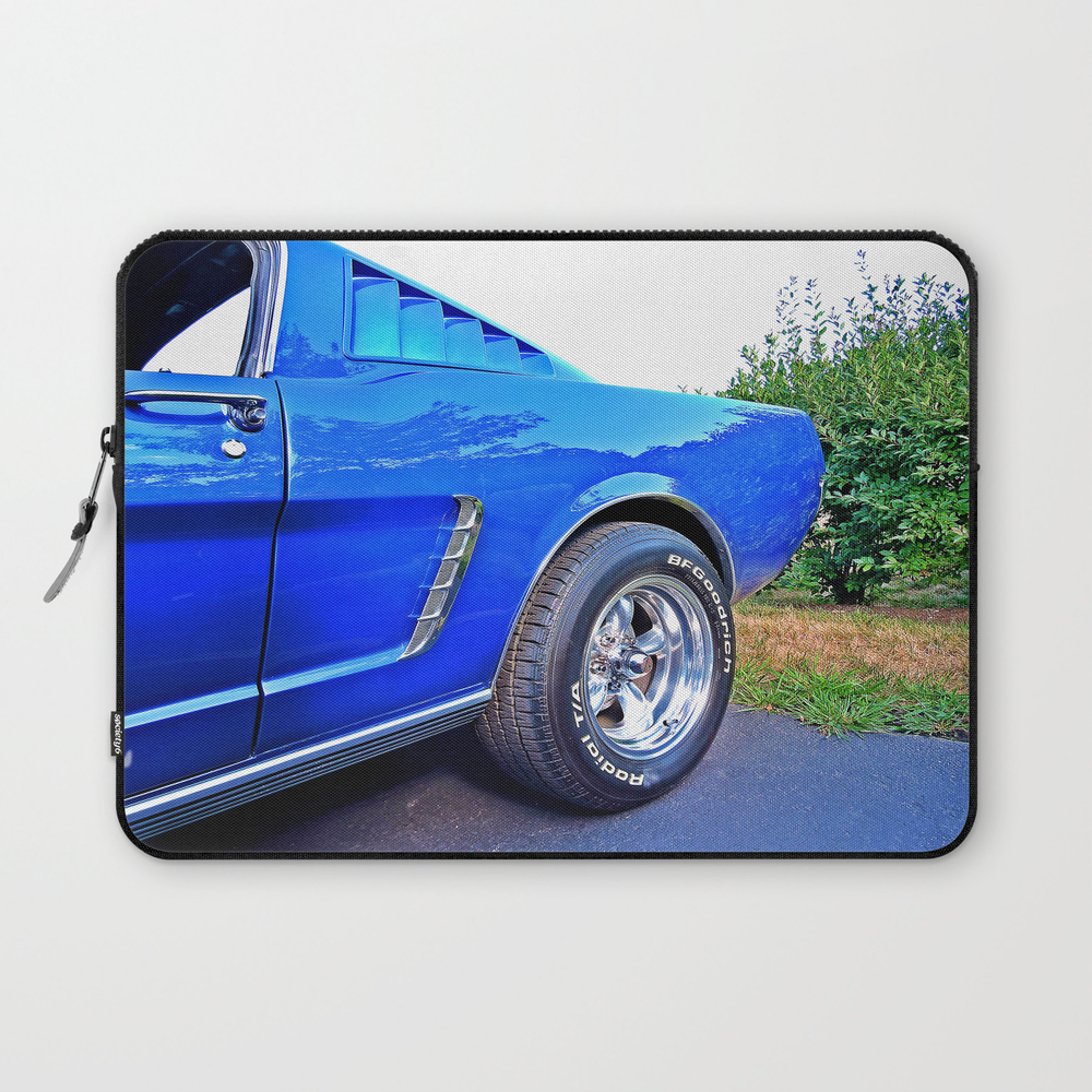 Classic Lines In Blue Laptop Sleeve LSV8075666