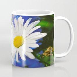 White Daisy Flower Loves Me Loves Me Not Coffee Mug