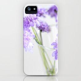 Flores silvestres lilas iPhone Case