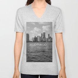 I'm in Miami - Black and white Unisex V-Neck