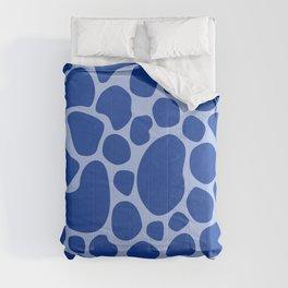 Blue Giraffe Animal Print Pattern Design  Comforters