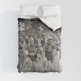 Tour De France - Vintage Photograph Cigarette Break Comforters