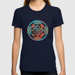 Round geometric design T-shirt