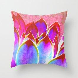Amulette - charme 3 Throw Pillow